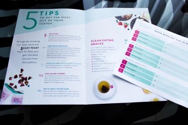 Une brochure avec des conseils pour manger sain et un petit calendrier journalier avec des exercices pour se tenir en forme.